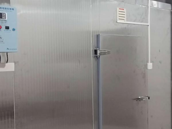 十堰广电中心进行冷库安装